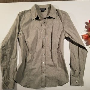 Lands End Women Size 10 Beautiful Grey Button Up